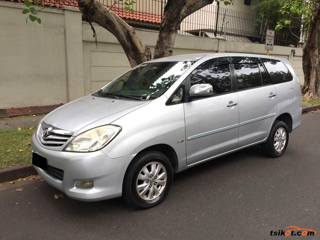 Toyota Innova 2012 - 2