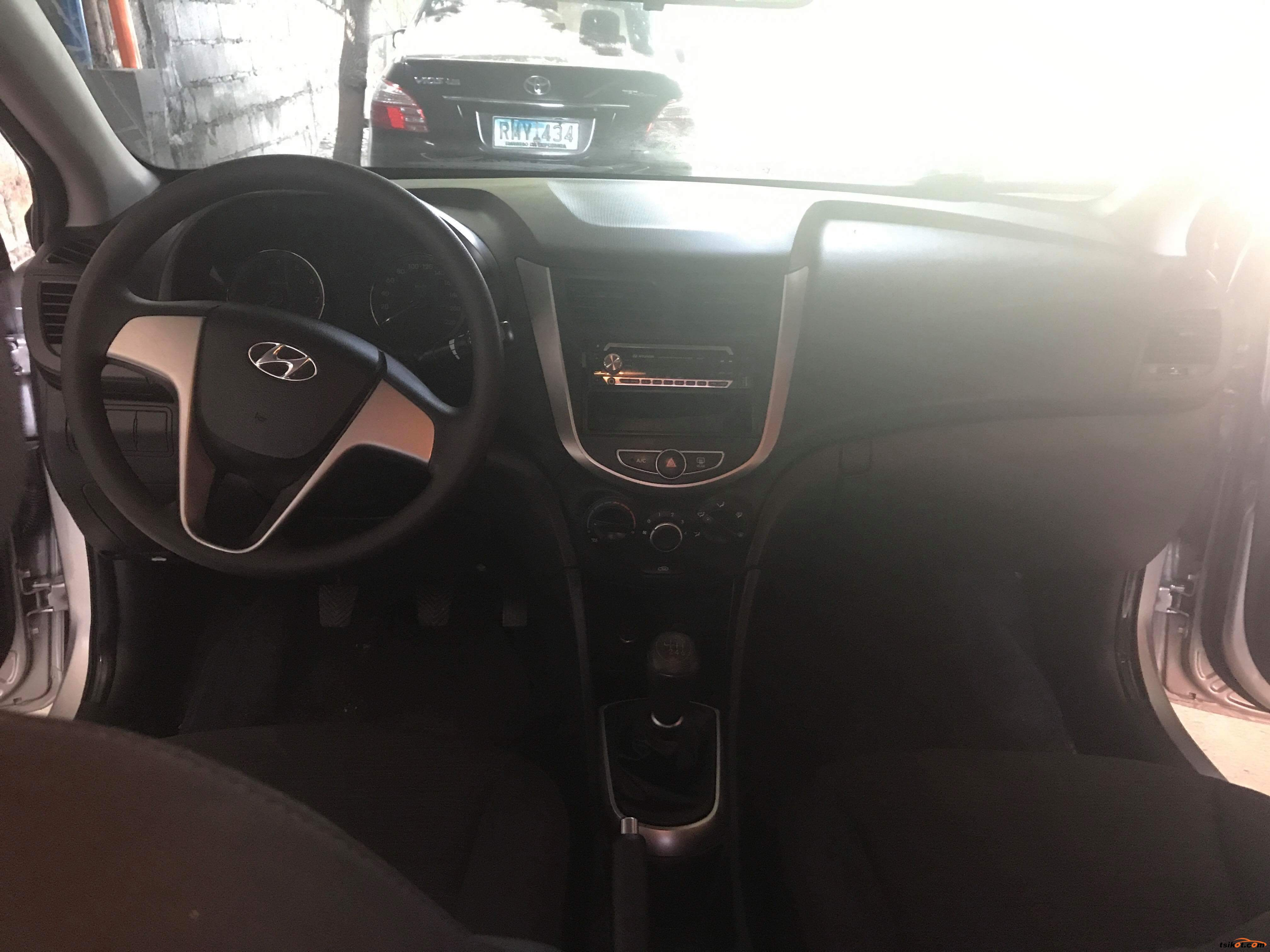 Hyundai Accent 2015 - 8