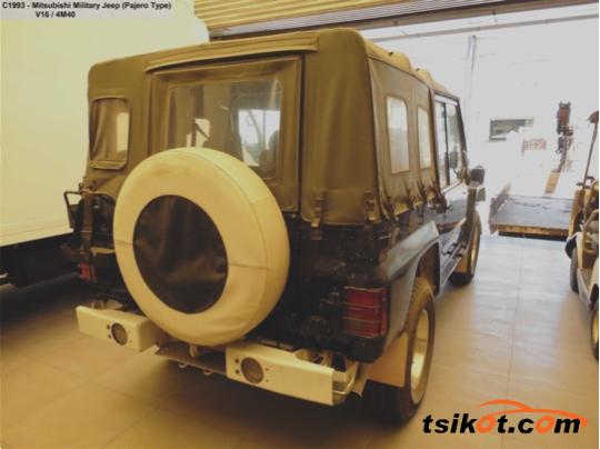 Mitsubishi Jeep 1997 - 2