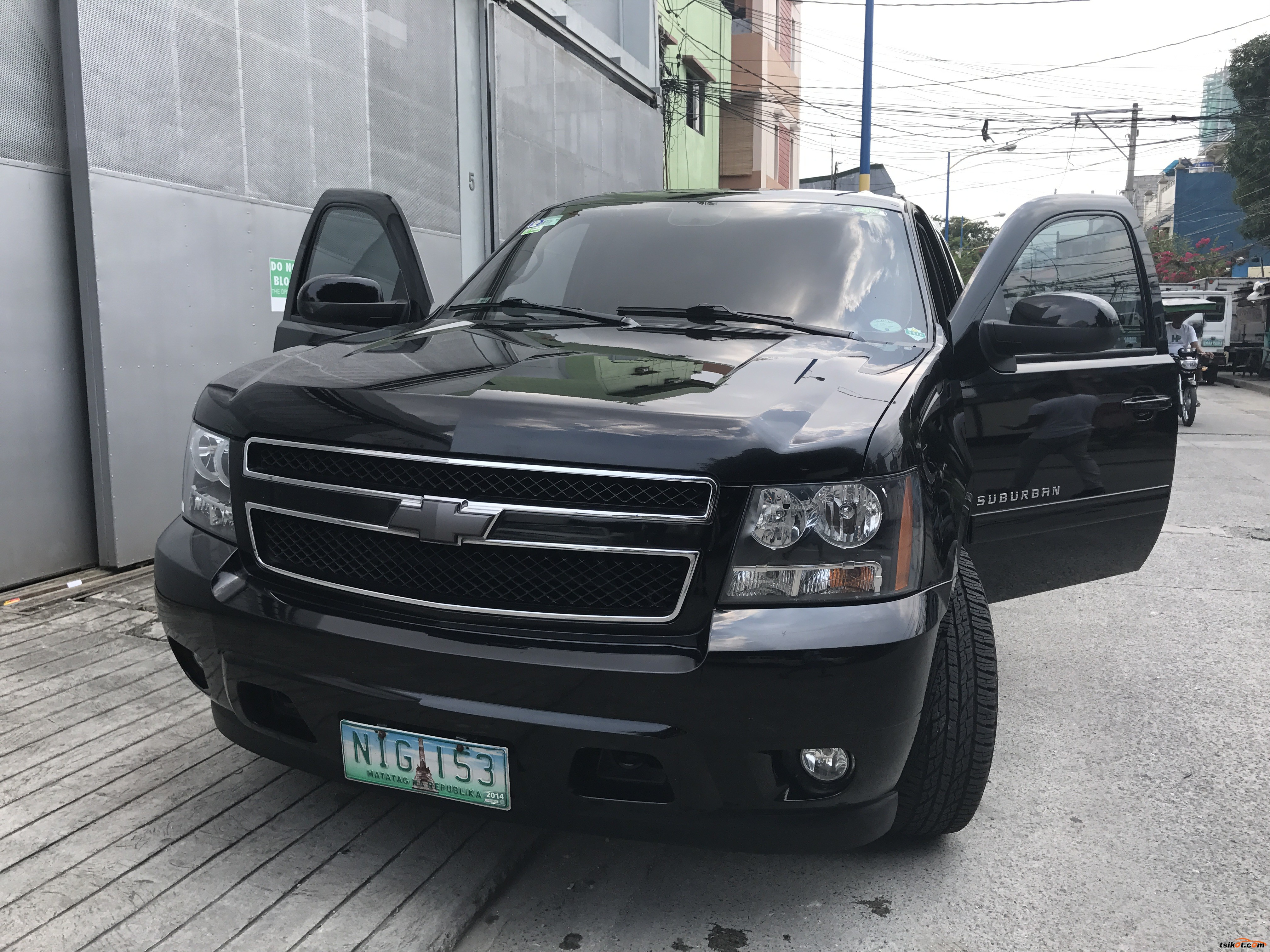 Chevrolet Suburban 2010 - 1