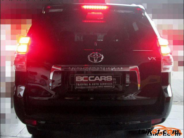 Toyota Land Cruiser 2010 - 3