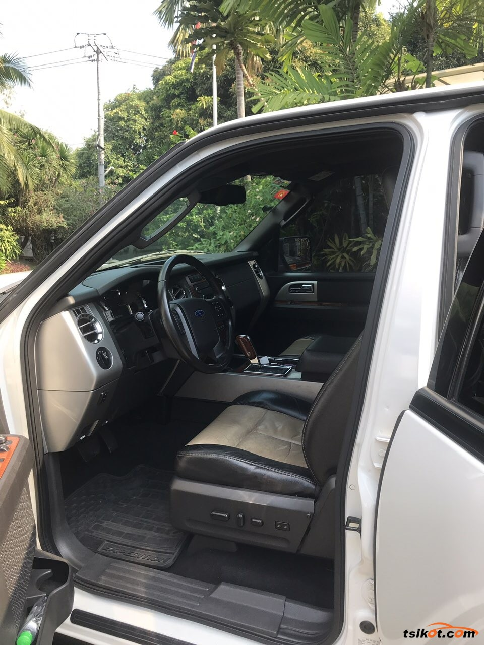 Ford Expedition 2009 - 3