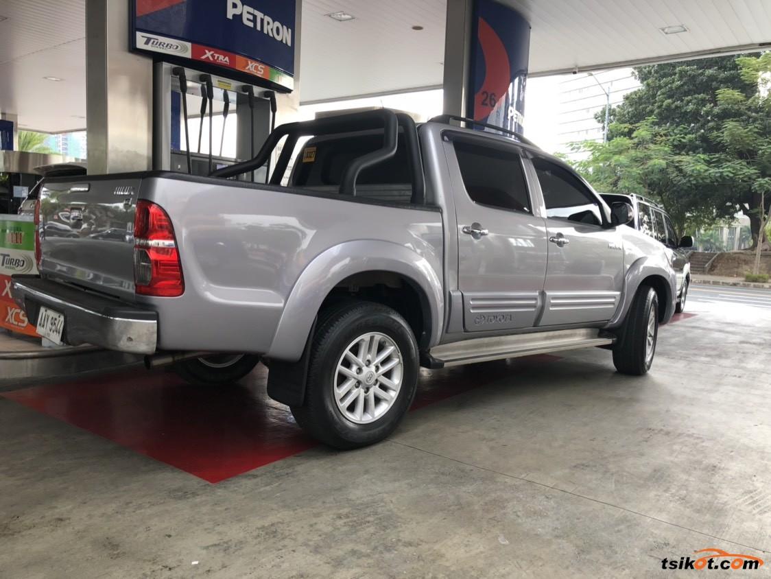 Toyota Hilux 25 - Car for Sale Metro Manila