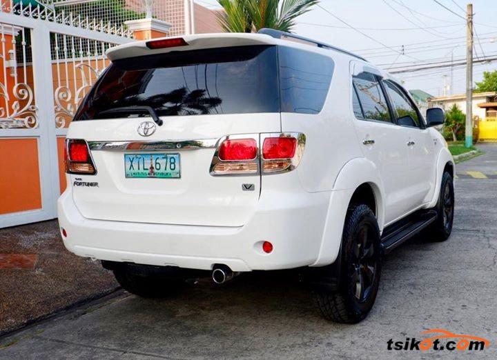Toyota Fortuner 2006 - 4