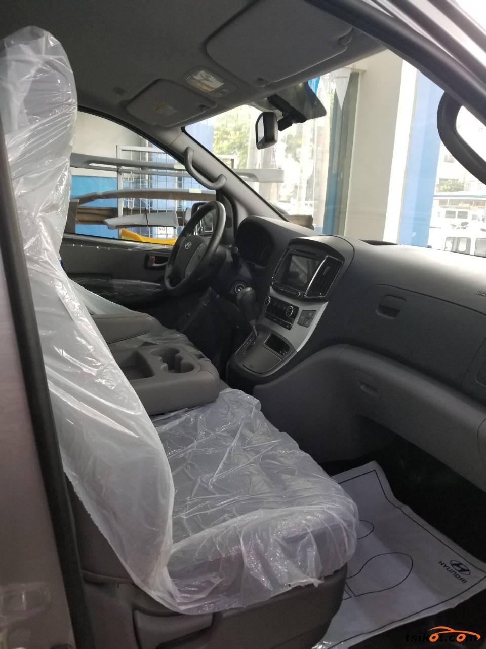 Hyundai Starex 2017 - 4
