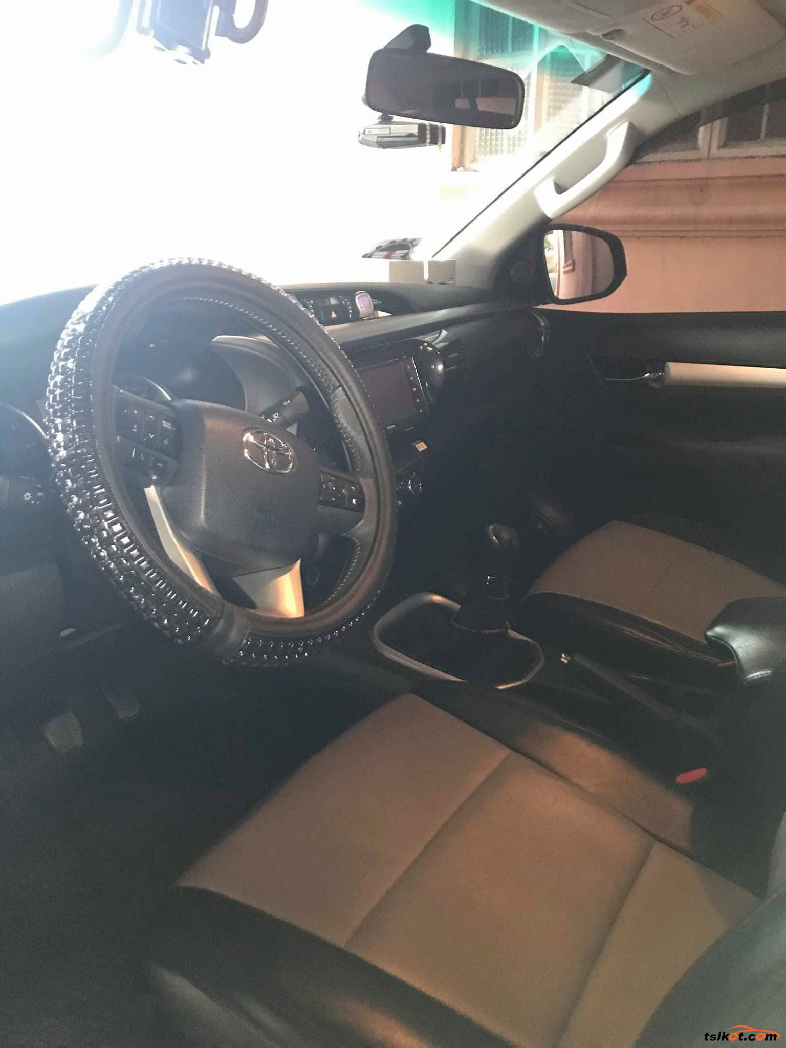 Toyota Hilux 2016 - 7
