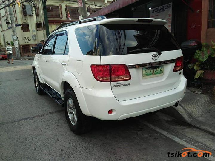 Toyota Fortuner 2008 - 6
