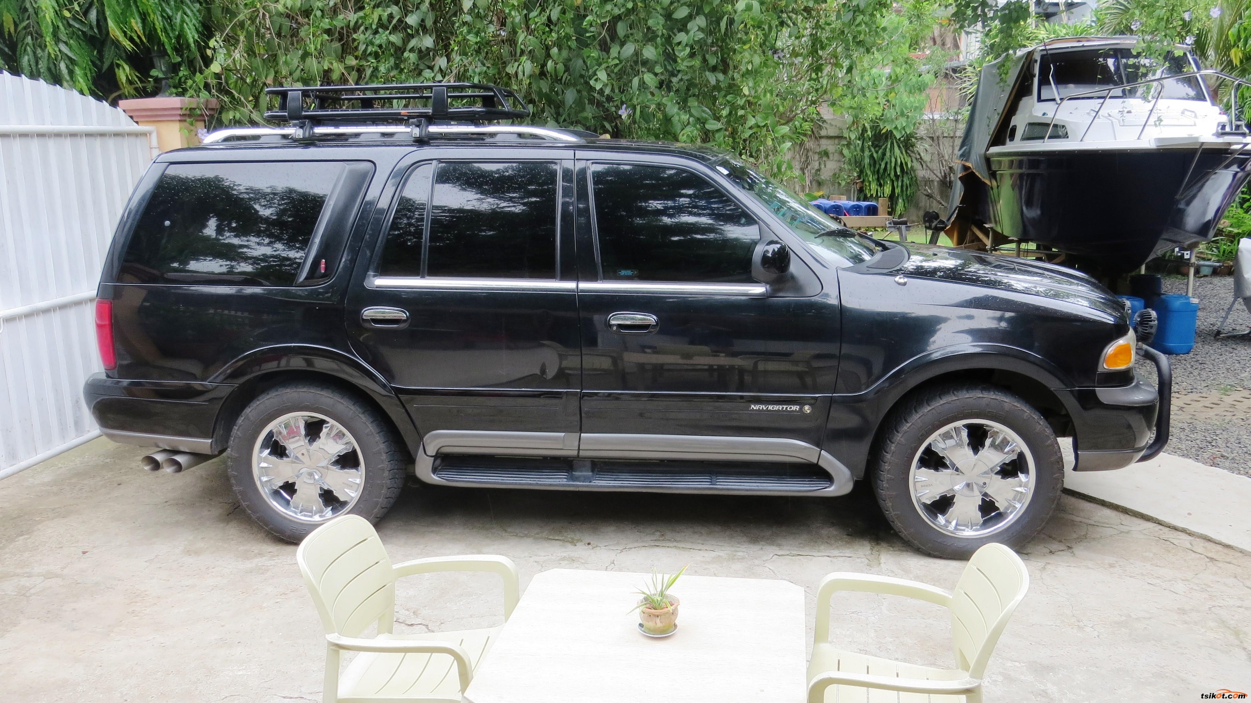 Lincoln Navigator 2001 - 3
