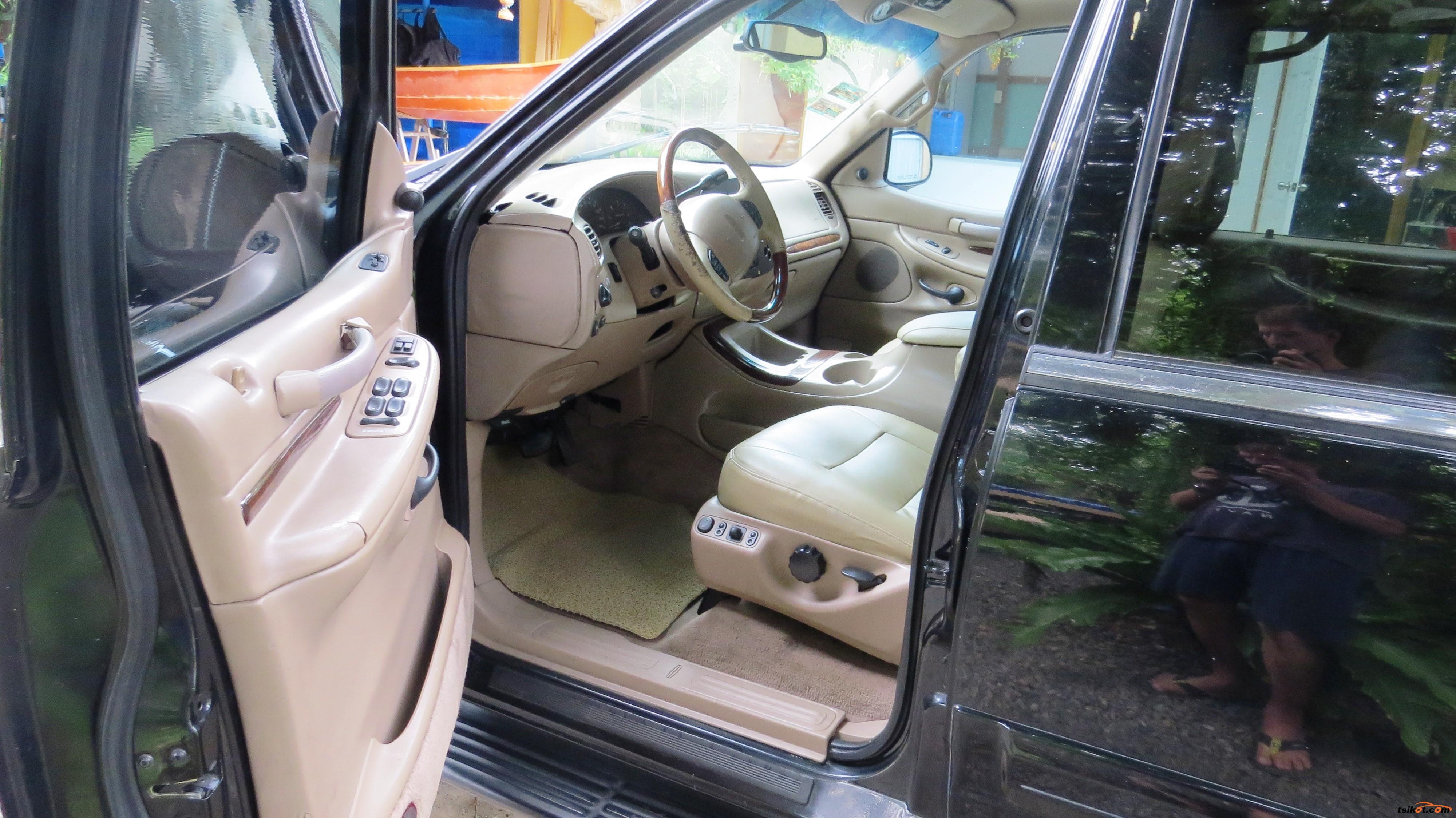 Lincoln Navigator 2001 - 5