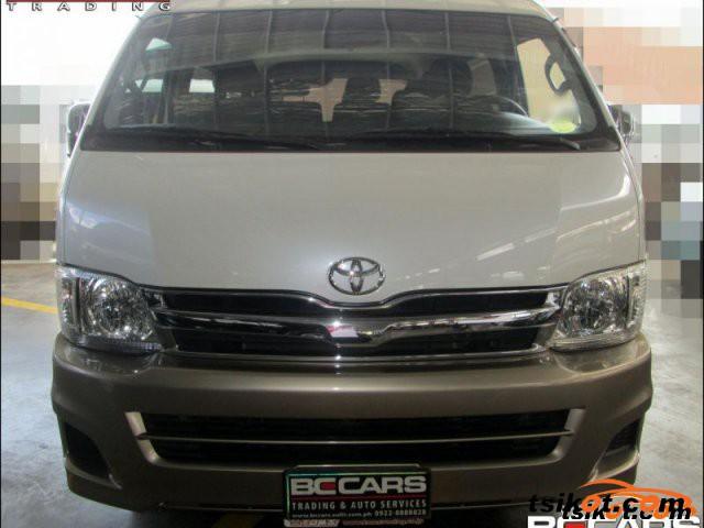 Toyota Hi-Ace 2012 - 6