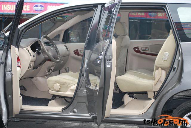 Toyota Innova 2006 - 2