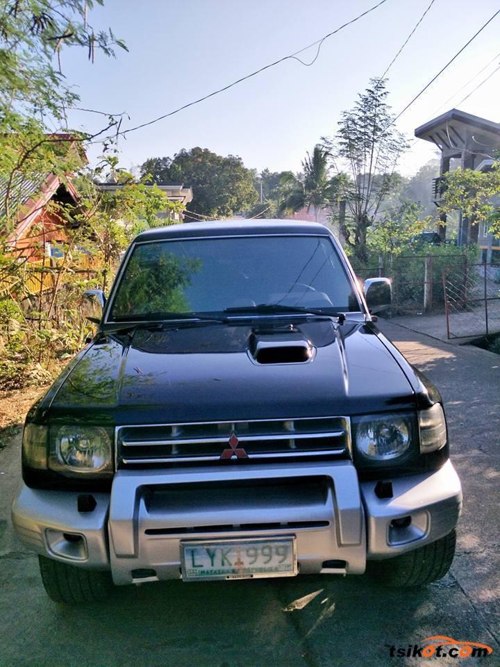 Mitsubishi Pajero 2003 - 10