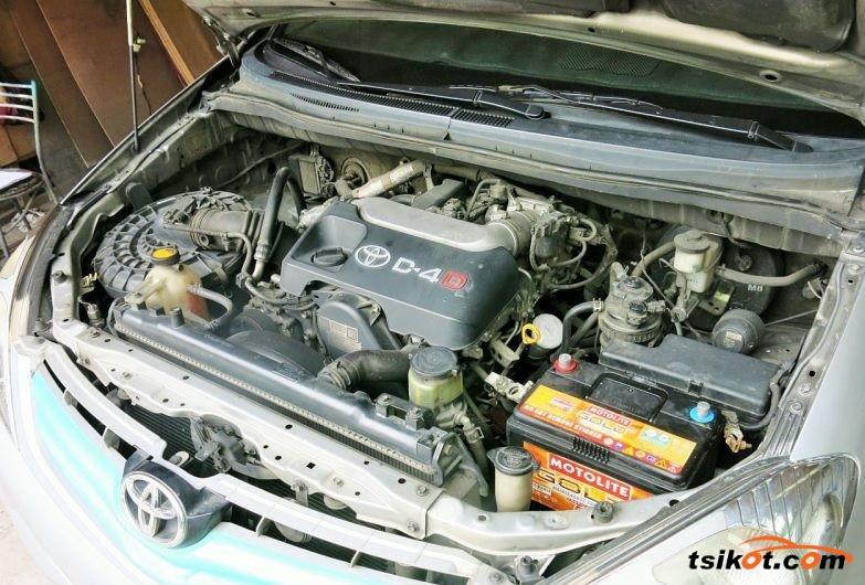 Toyota Innova 2010 - 6