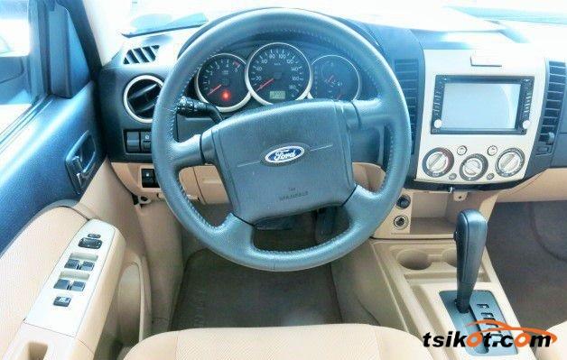 Ford Everest 2012 - 2