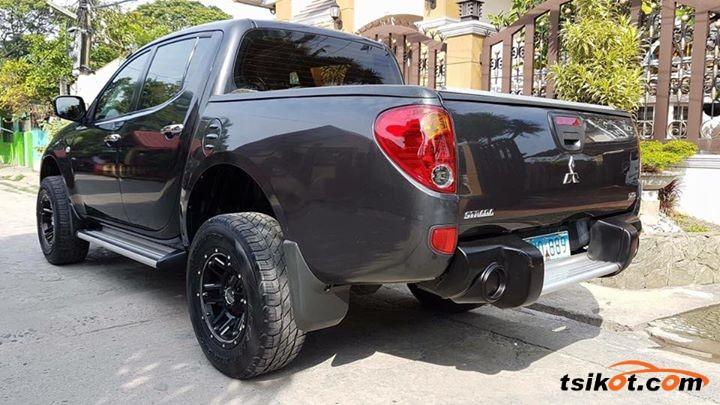 Mitsubishi Strada 2013 - 2