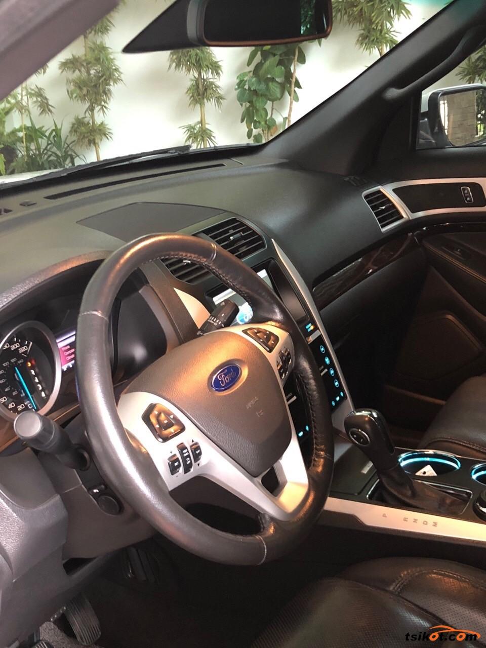 Ford Explorer 2013 - 3