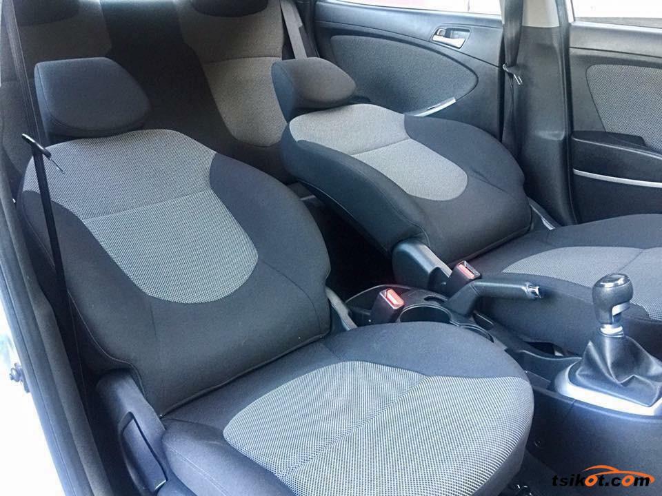 Hyundai Accent 2011 - 1