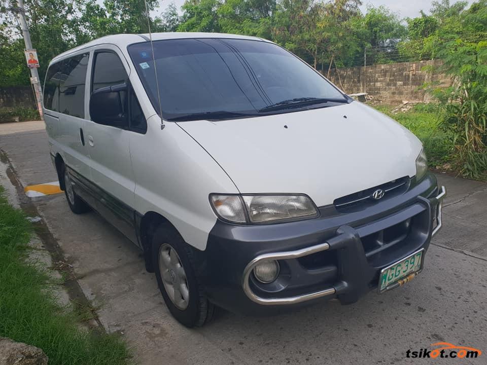 Hyundai Starex 1998 - 1