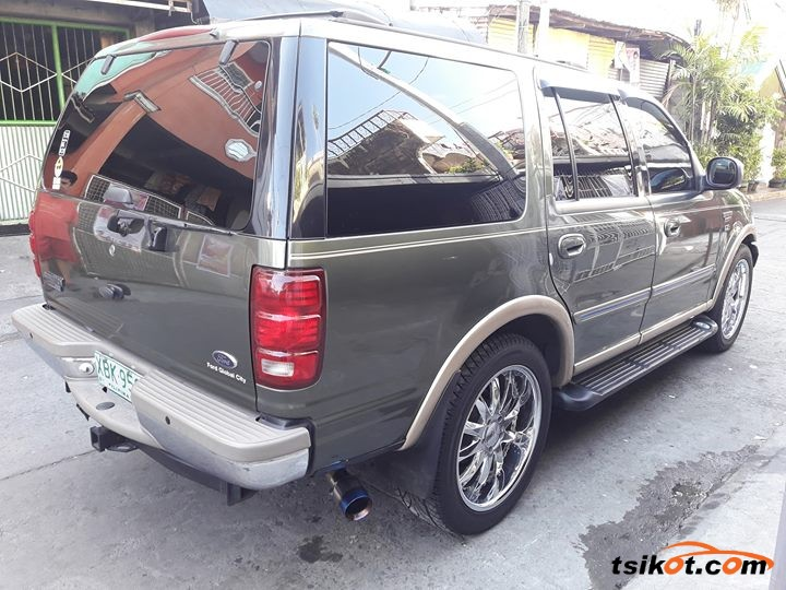 Ford Expedition 2002 - 3