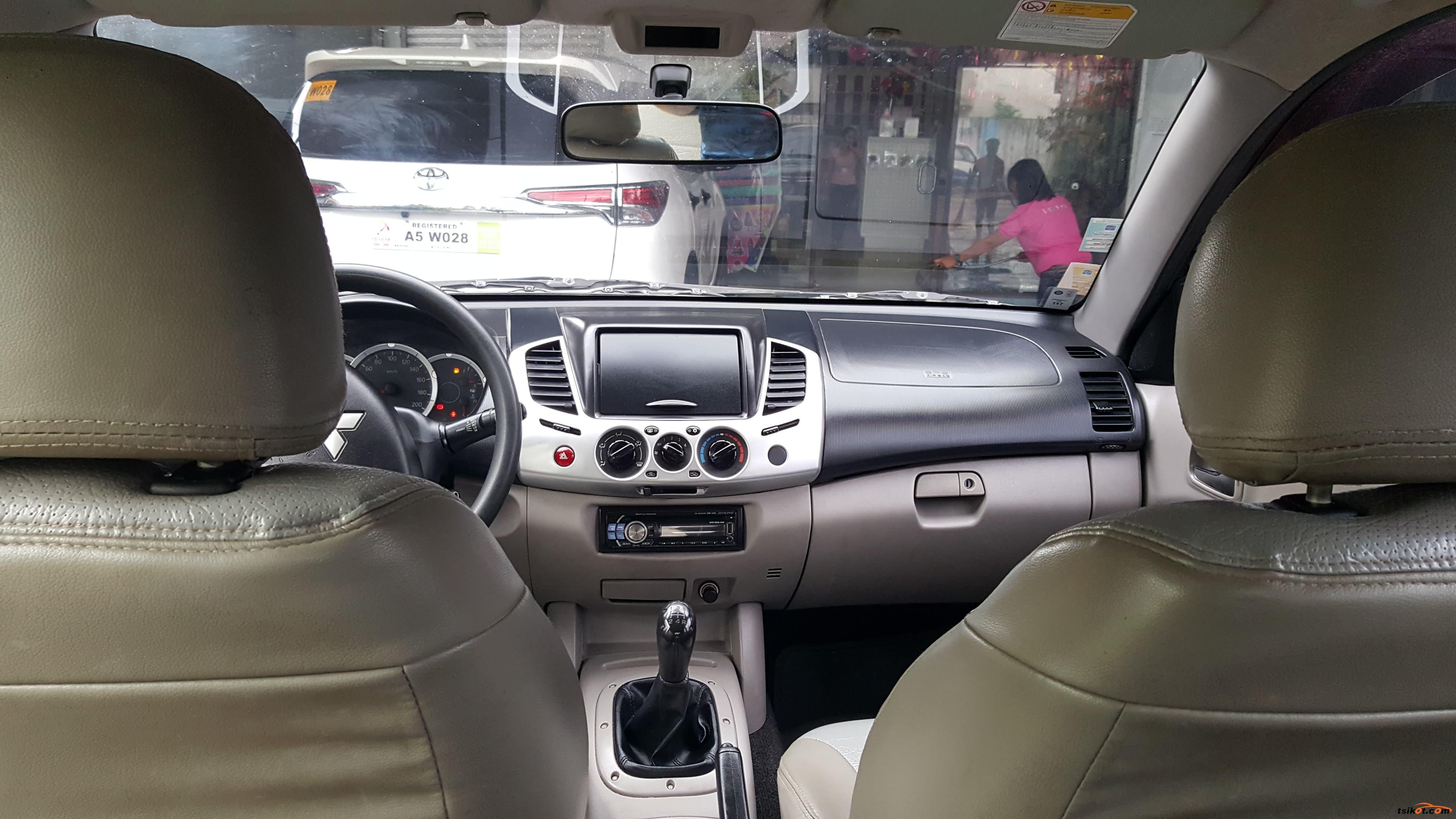 Mitsubishi Strada 2011 - 9