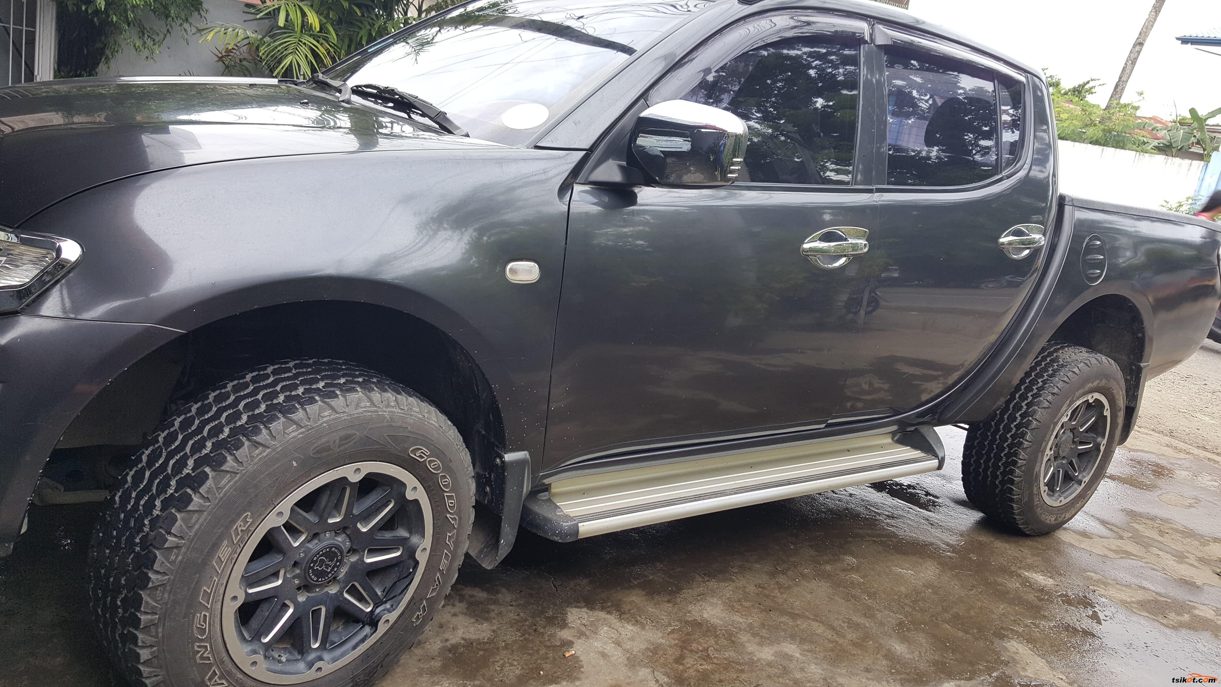 Mitsubishi Strada 2011 - 2