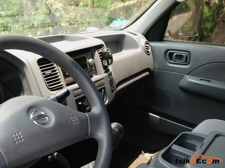 Nissan Urvan 2007 - 2