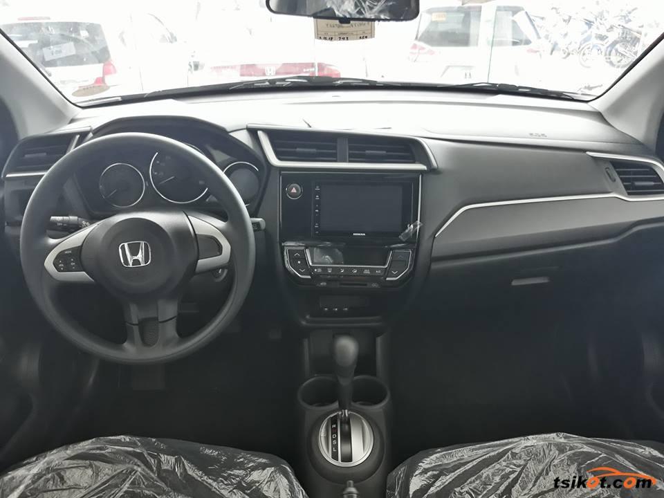 Honda Br-V 2018 - 10