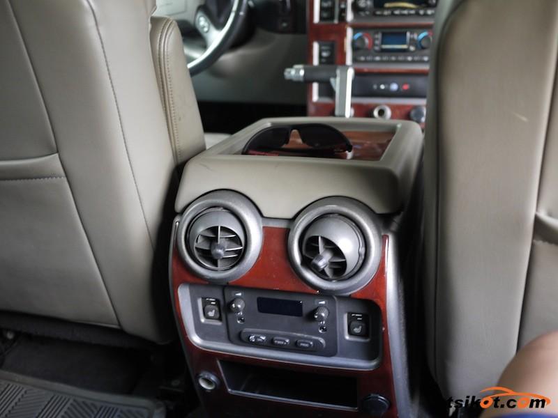 Hummer H2 2003 - 8