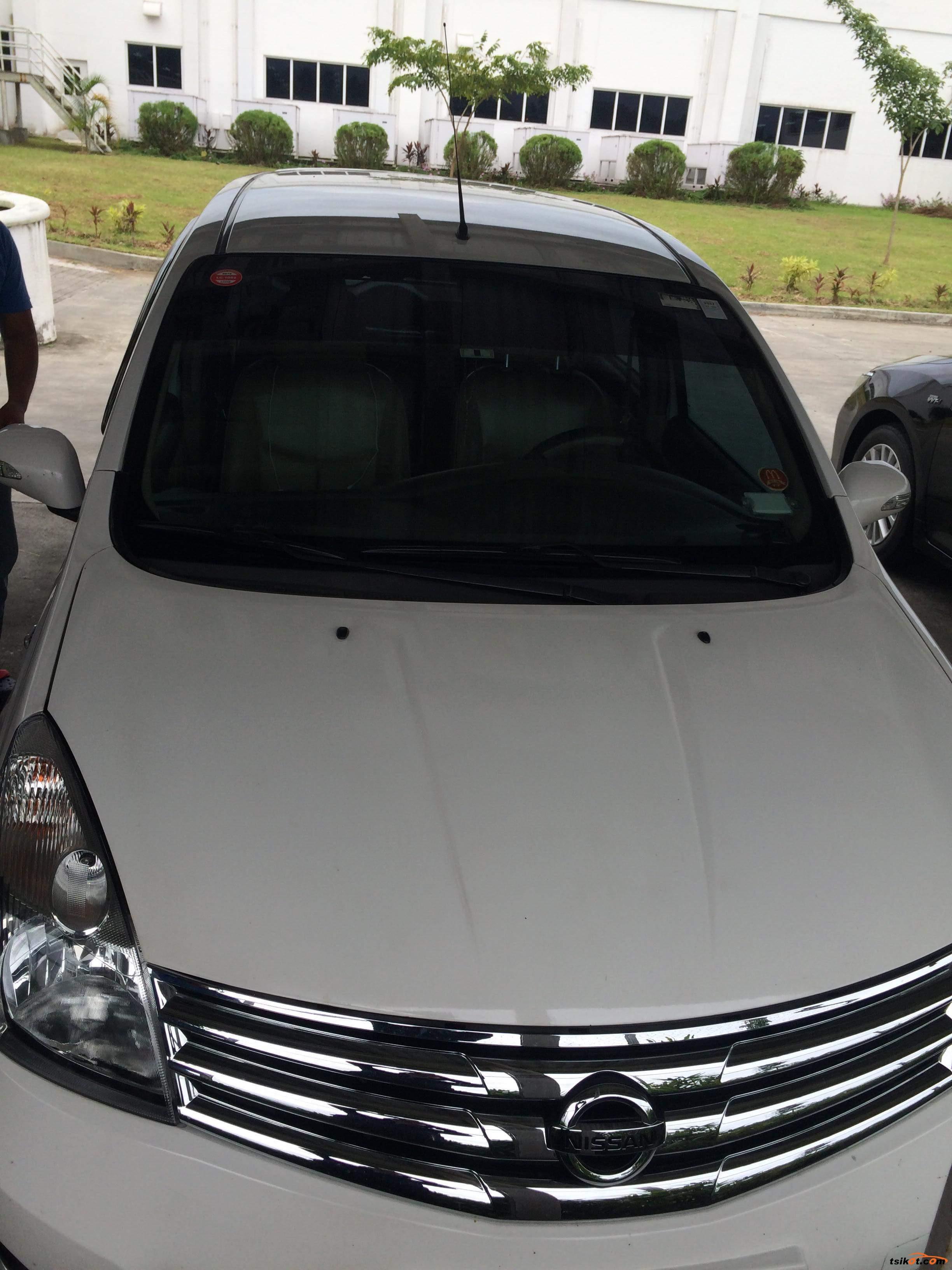 Nissan Grand Livina 2013 - 4
