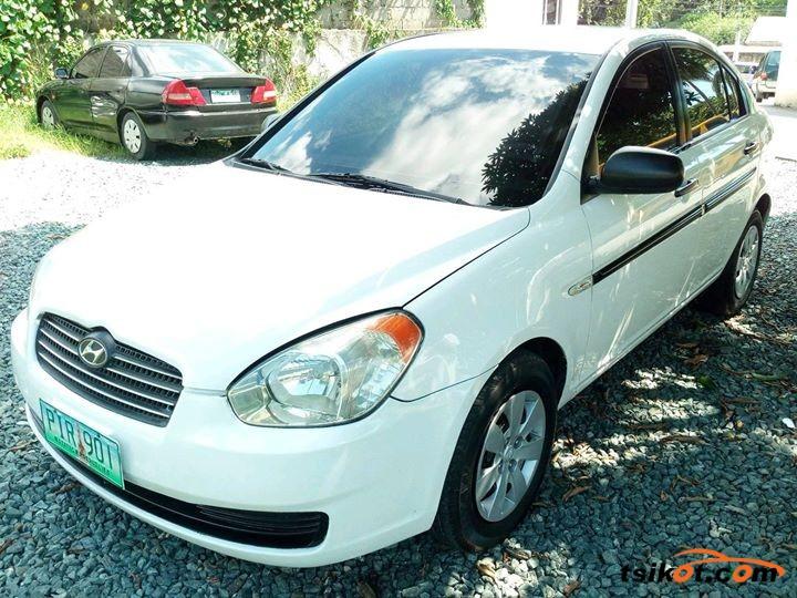 Hyundai Accent 2010 - 5
