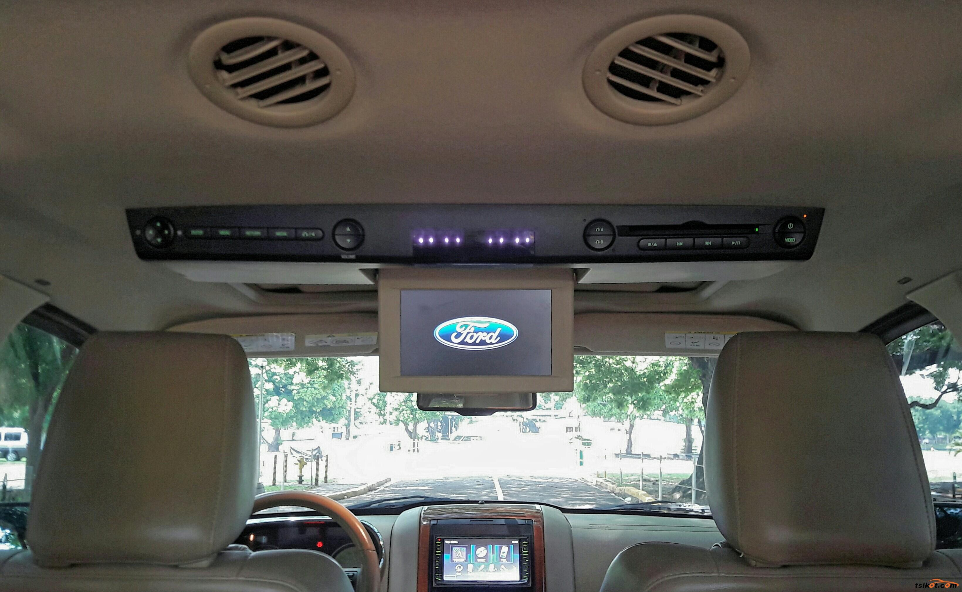 Ford Explorer 2011 - 10