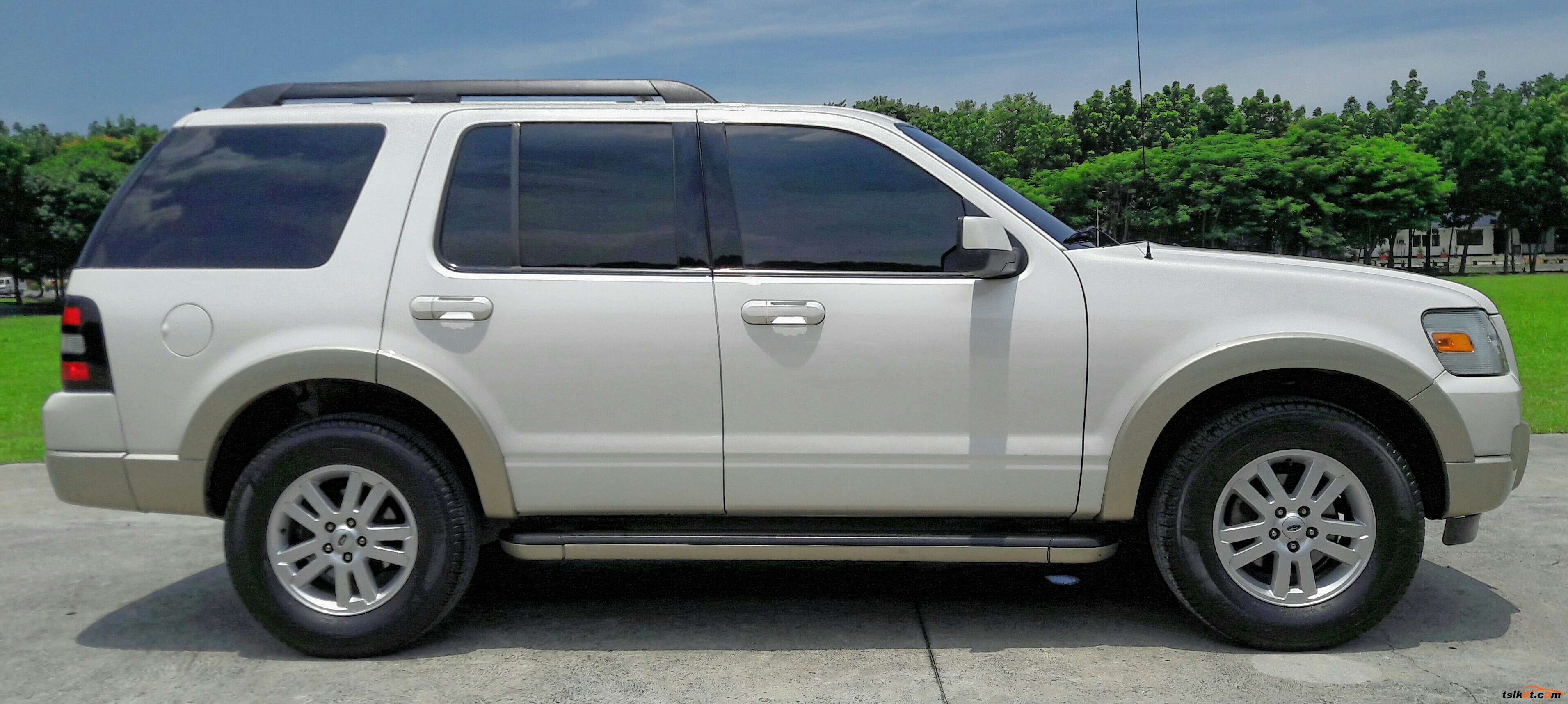 Ford Explorer 2011 - 3