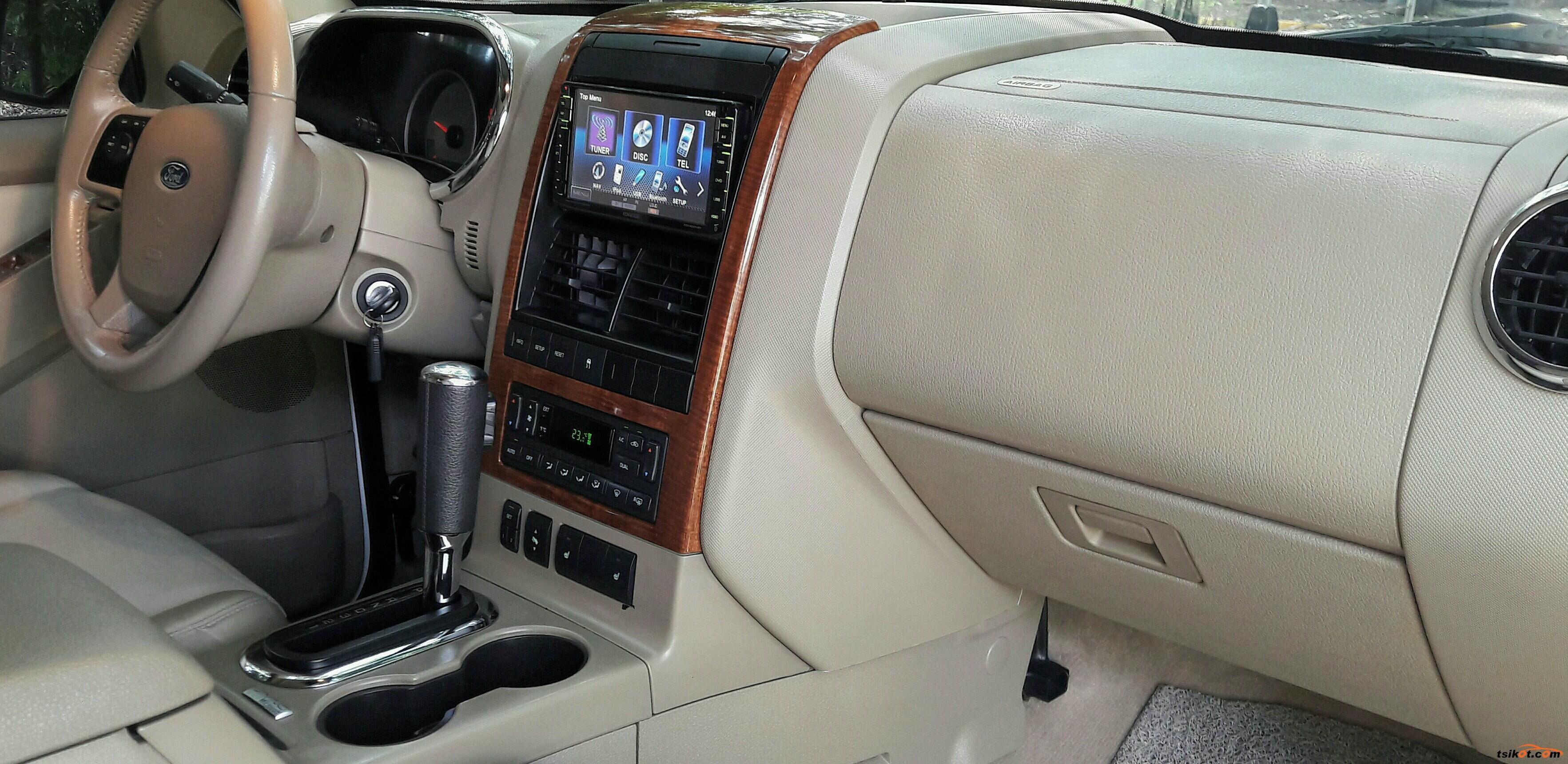 Ford Explorer 2011 - 8