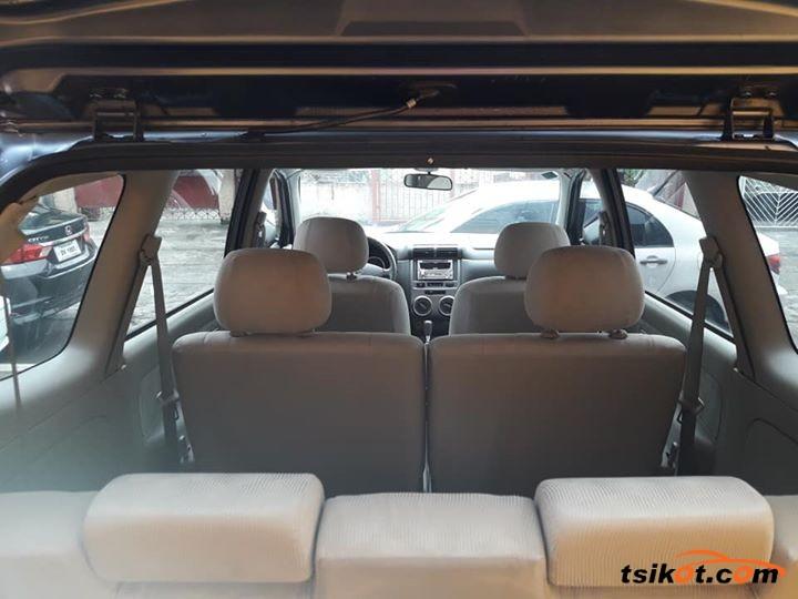 Toyota Avanza 2011 - 2