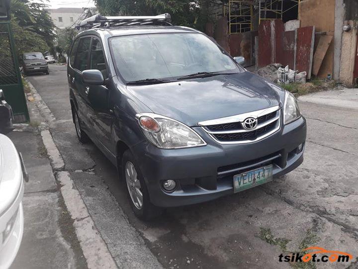 Toyota Avanza 2011 - 1