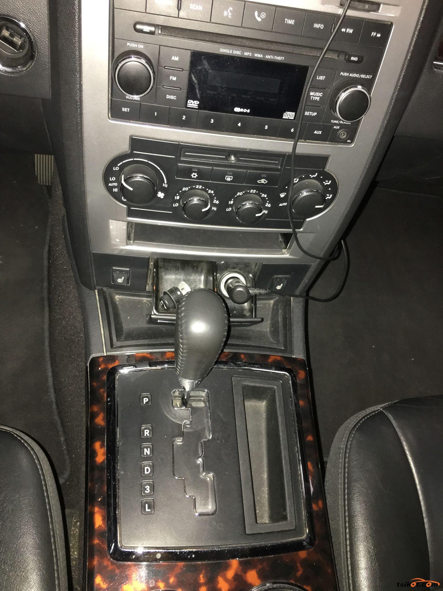 Chrysler 300 2008 - 7