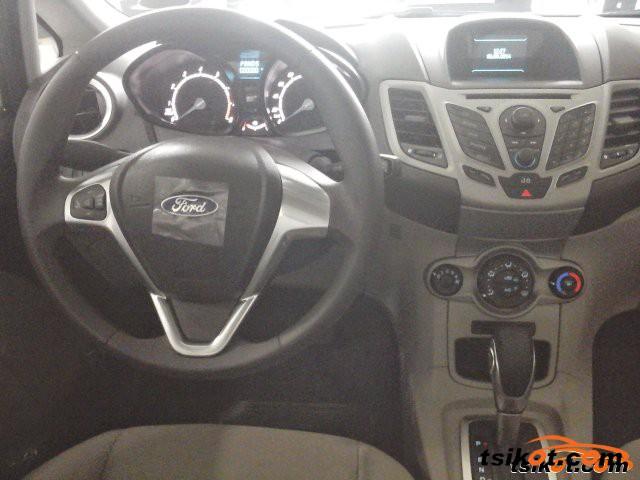 Ford Fiesta 2015 - 6