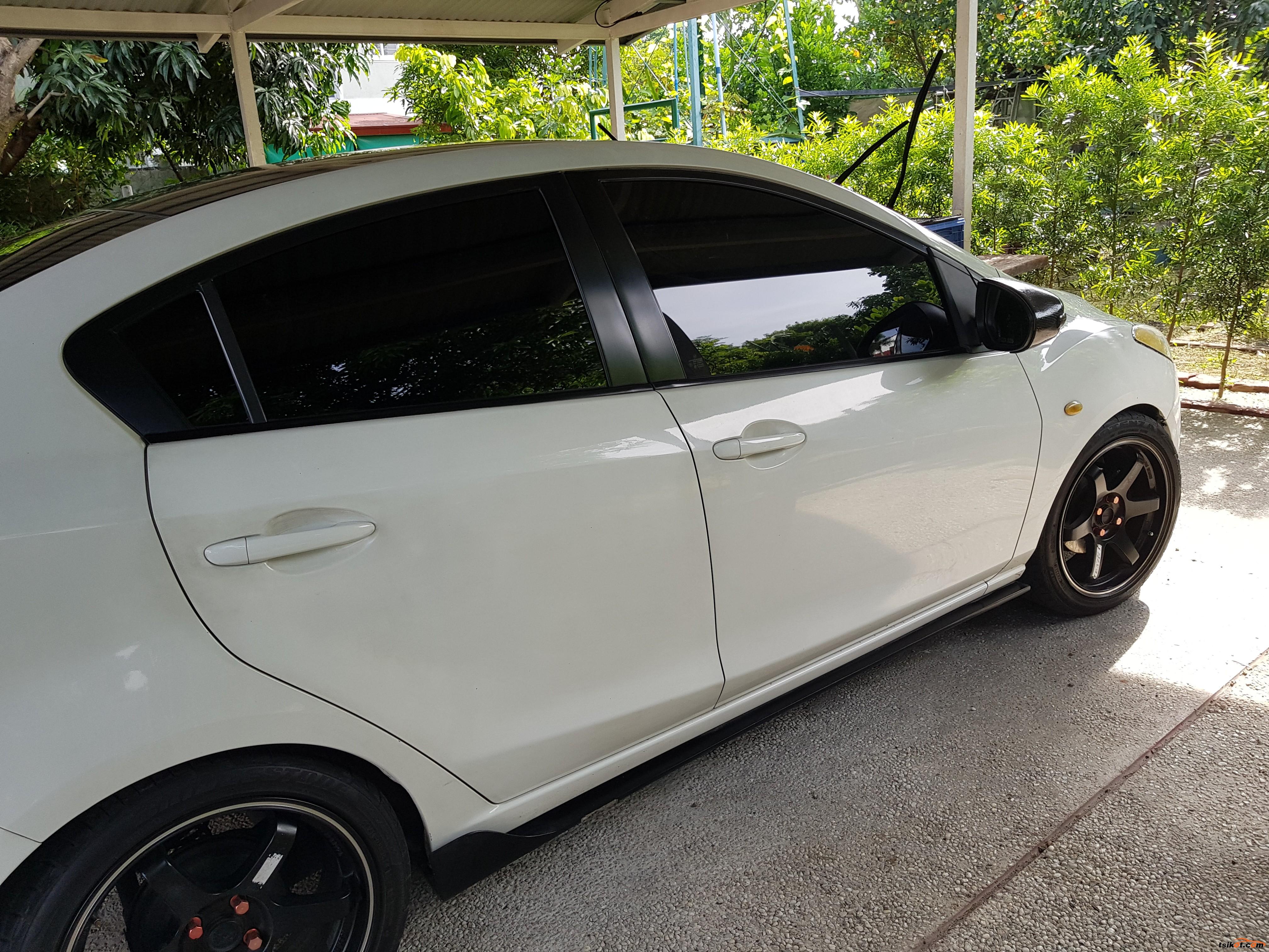 Mazda 2 2010 - 1
