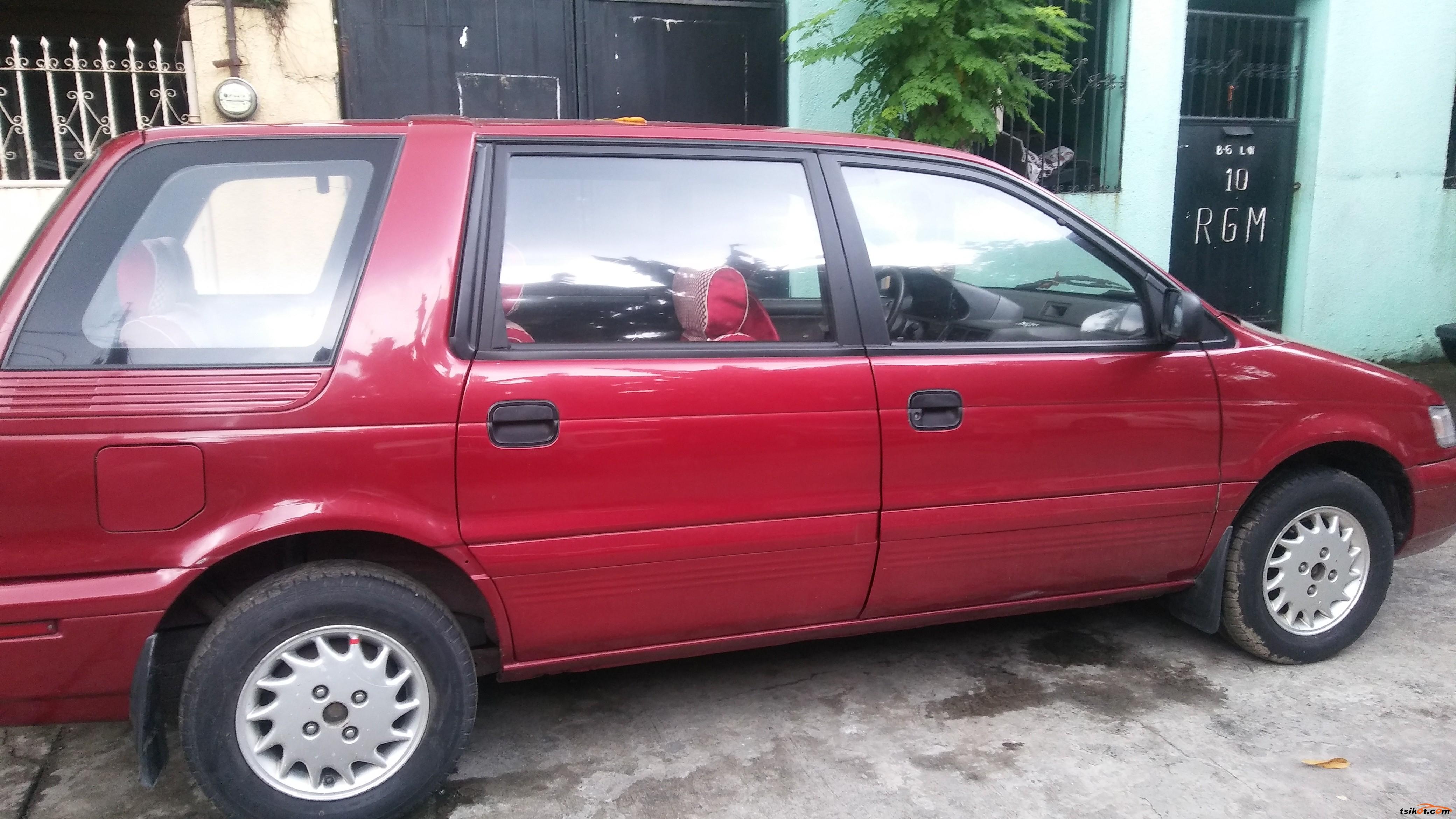 Mitsubishi Space Wagon 1992 - 5