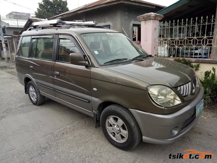 Mitsubishi Adventure 2005 - 3