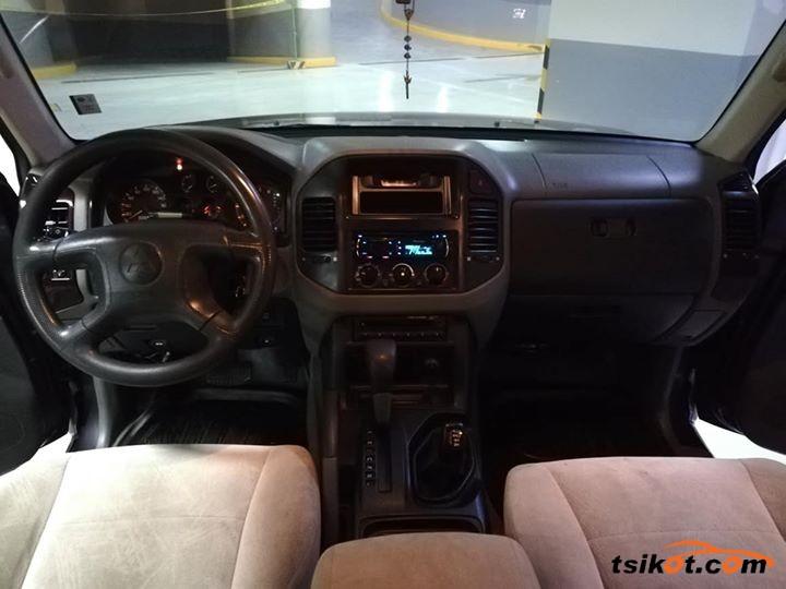 Mitsubishi Pajero 2004 - 4