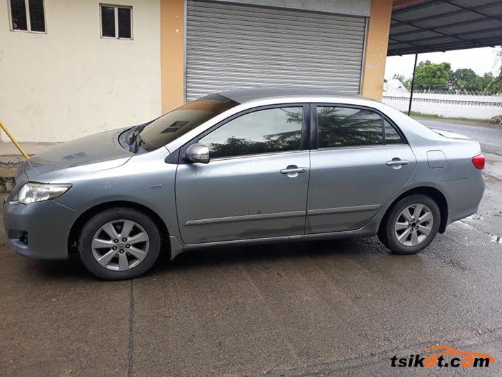 Toyota Corolla 2010 - 3