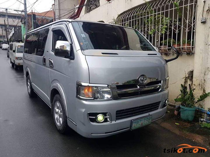 Toyota Hiace 2017 - 1