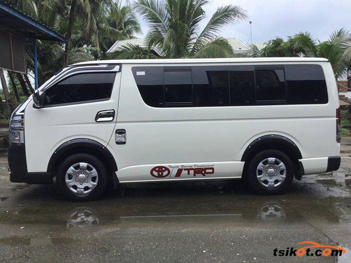 Toyota Hiace 2016 - 2