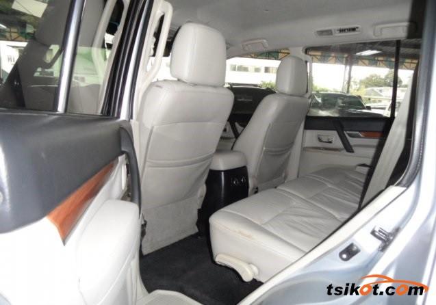 Mitsubishi Pajero 2008 - 3