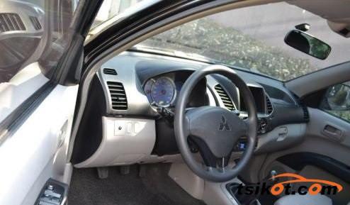 Mitsubishi Strada 2008 - 3