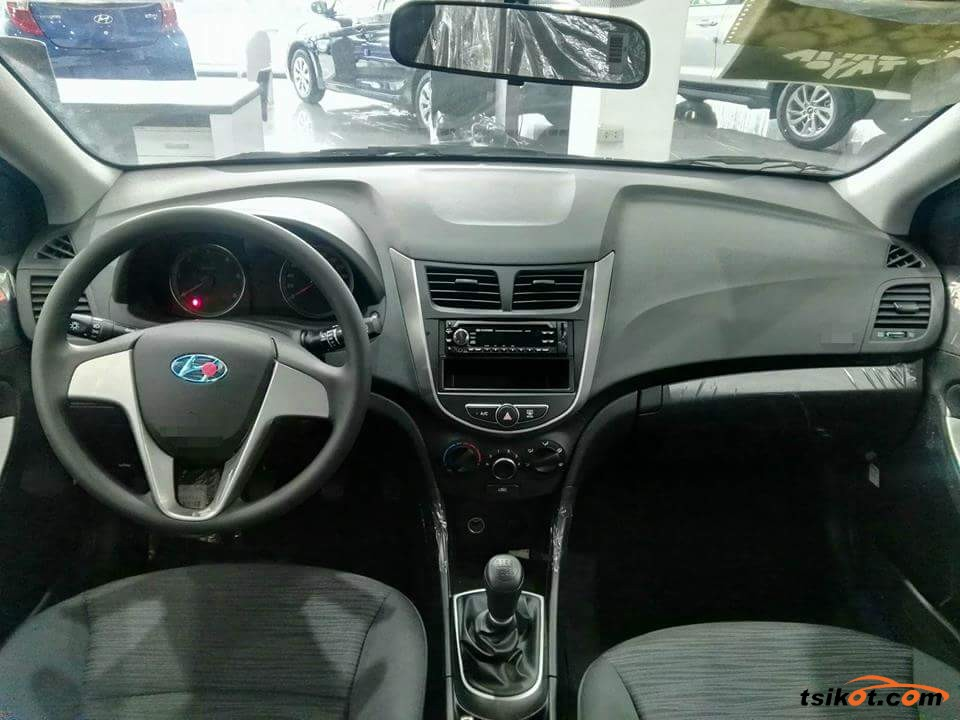 Hyundai Elantra 2018 - 4