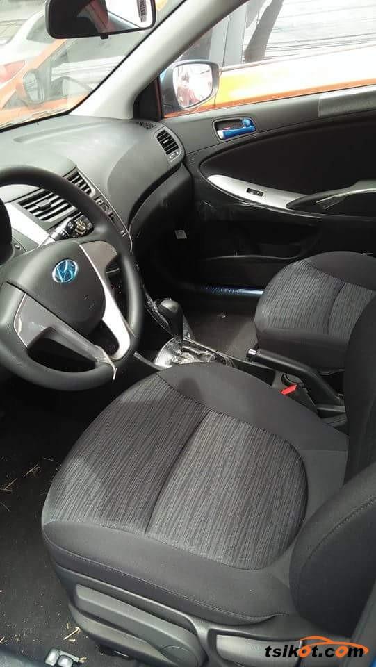 Hyundai Elantra 2018 - 5