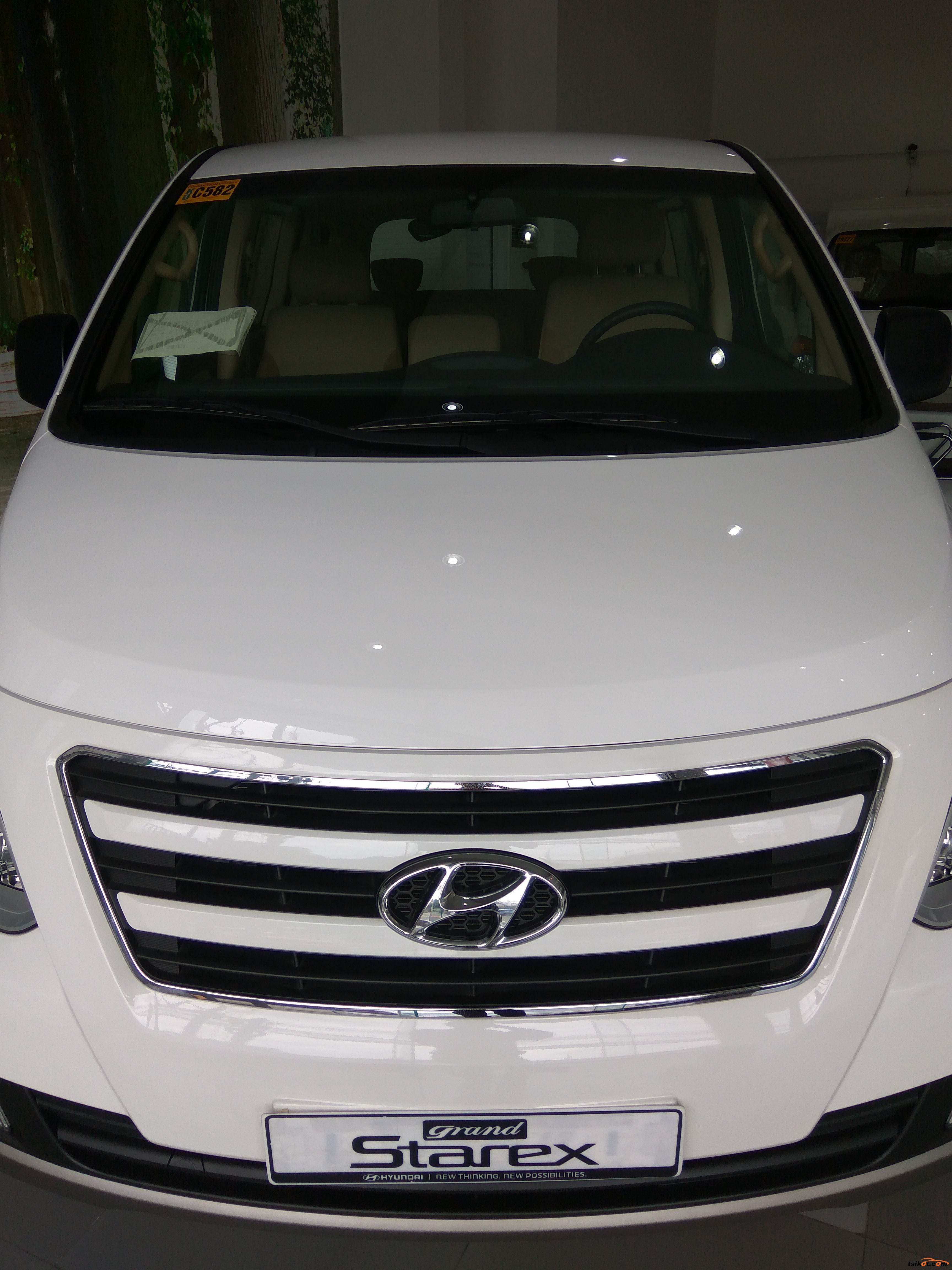 Hyundai Grand Starex 2018 - 2