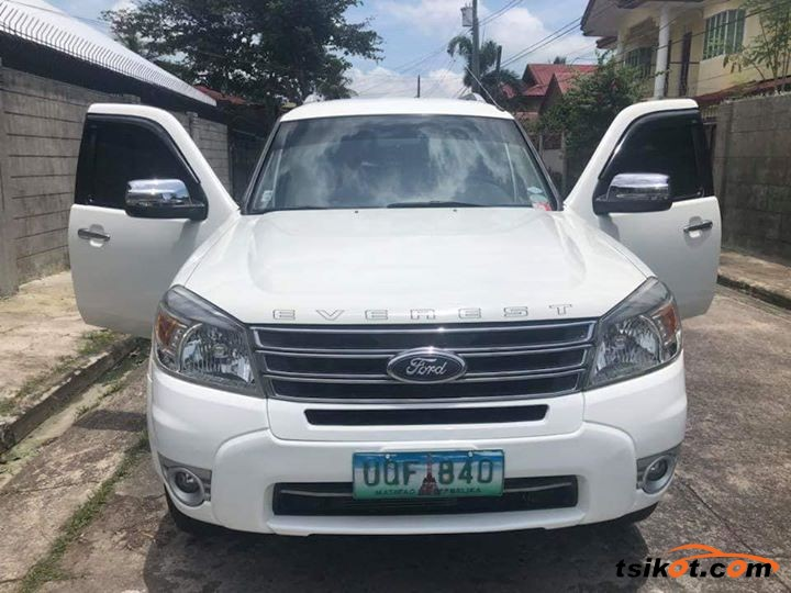 Ford Everest 2013 - 4